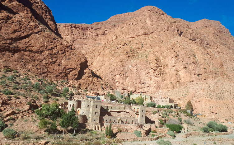 El atlas: Aït Benhaddou - Marruecos | viajar haciendo yoga - Apasho