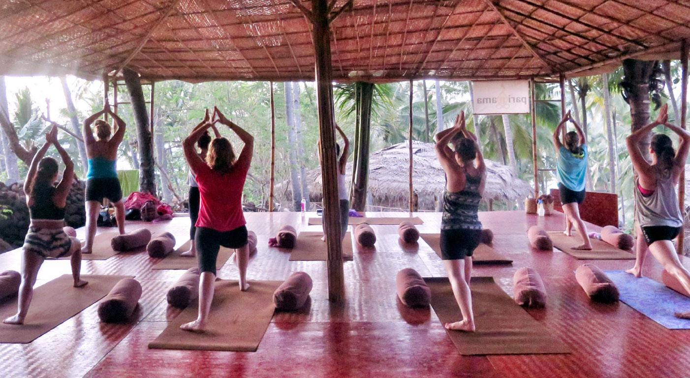 Viaje yoga y ayurveda - India sur - Práctica de yoga | apasho yoga