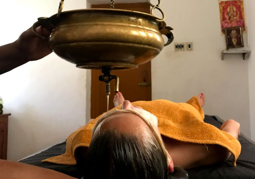 TRatamiento Ayurveda - Viaje yoga India sur | Apasho yoga