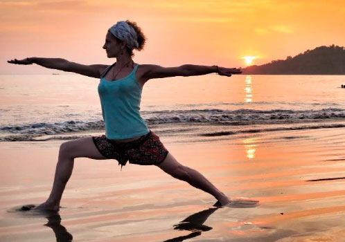 Yoga en la playa - viaje yoga India sur | Apasho yoga