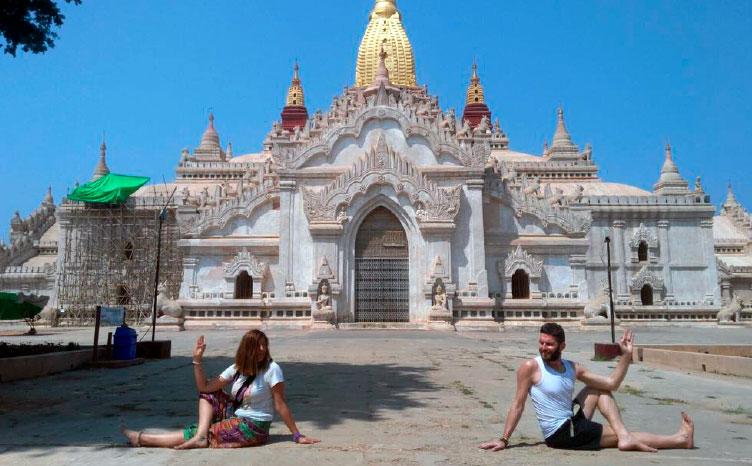 Pagoda de Shwedagon - Myanmar | viajar haciendo yoga - Apasho