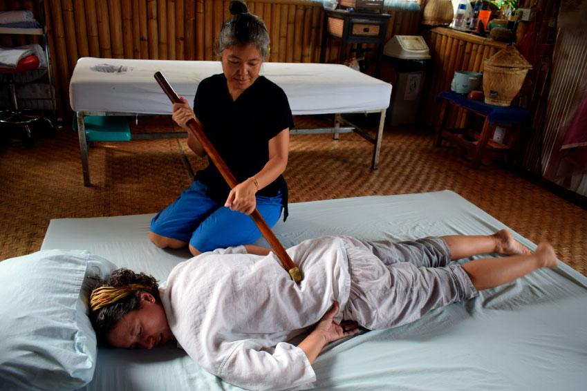 Viaje yoga Tailandia - Técnica de masaje tailandés | apasho yoga