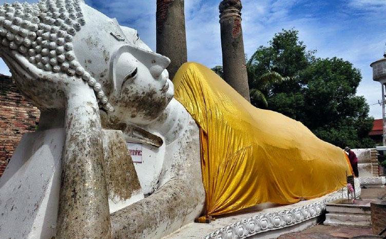 Templo Wat Pho y su buda tumbado - Tailandia| viajar haciendo yoga - Apasho
