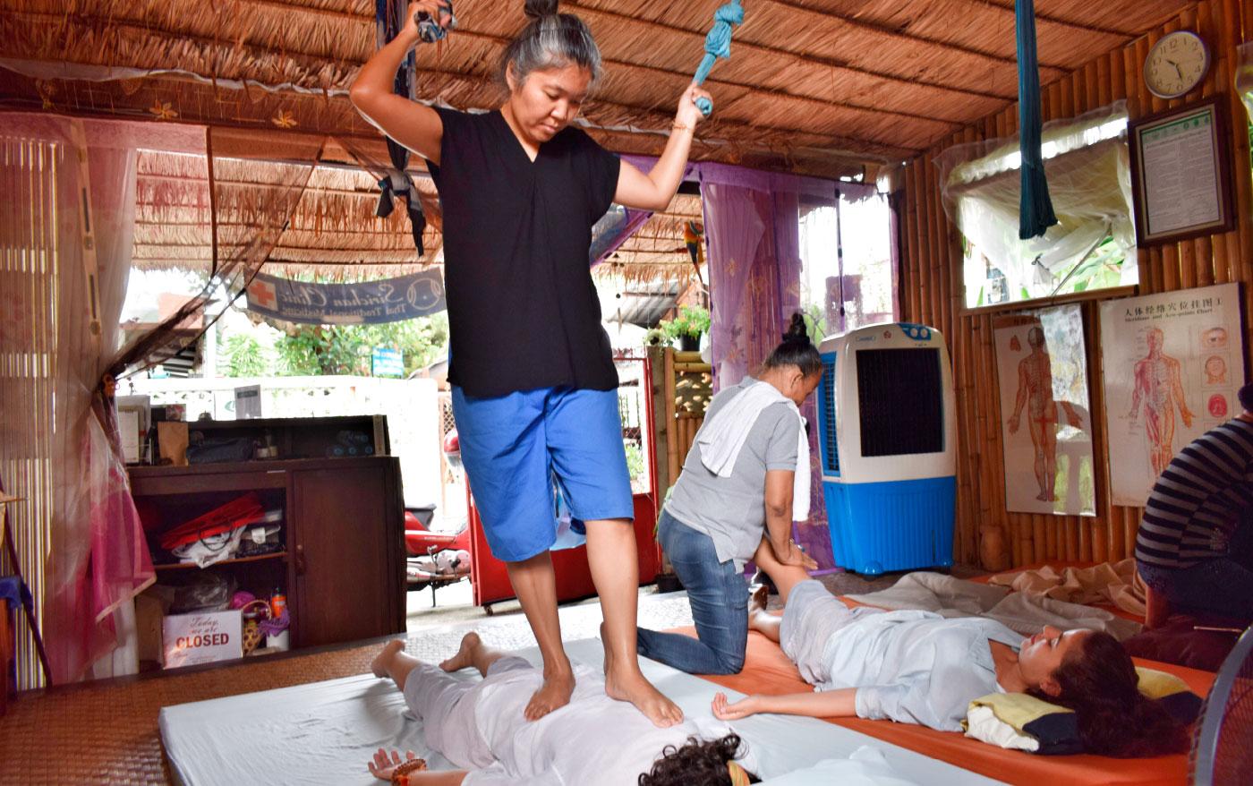 Viaje yoga Tailandia - Formación en Masaje tailandés | apasho yoga