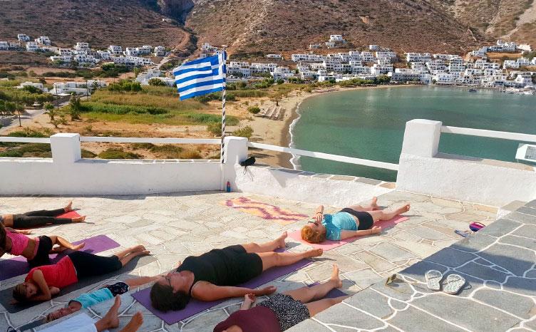 Serifos - Grecia | viajar haciendo yoga - Apasho