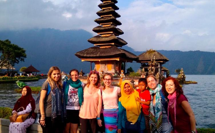 Isla de Bali - Tirta Empul | viajar haciendo yoga - Apasho